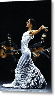 Concentracion Del Funcionamiento Del Flamenco Metal Print by Richard Young