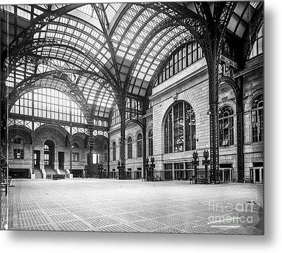 Concourse Pennsylvania Station New York Metal Print