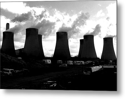Cooling Place To Live Metal Print by Jez C Self
