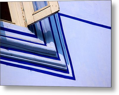 Metal Print featuring the photograph Cornering The Blues by Prakash Ghai