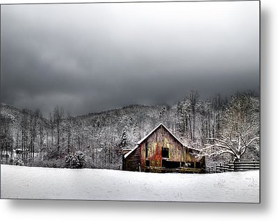 Country Barn In The Smokies Metal Print by Mike Eingle