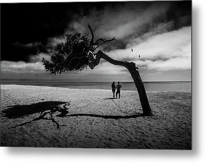 Metal Print featuring the photograph Couple On Cabrillo Beach By Los Angeles California by Randall Nyhof