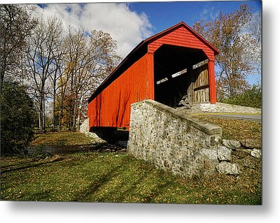 Covered Bridge At Poole Forge Metal Print by William Jobes