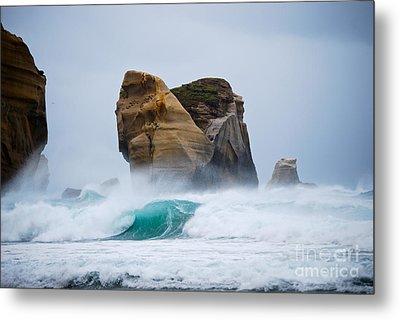 Crashing Wave Metal Print by Cesar Marino
