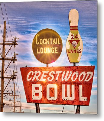 Crestwood Bowl Metal Print by Robert  FERD Frank