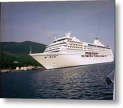 Cruise In Style Metal Print by Judyann Matthews