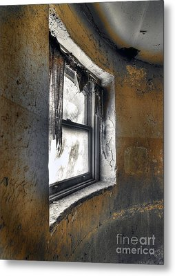 Curved Wall Window Metal Print by Norman Andrus