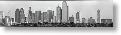 Metal Print featuring the photograph Dallas In Black And White by Jonathan Davison