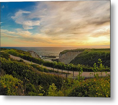 Davenport Postcard Sunset Metal Print by Larry Darnell