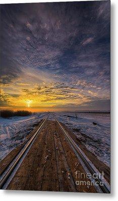 Dawn At The Tracks  Metal Print by Ian McGregor