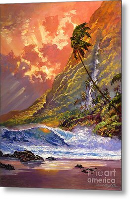 Dawn In Oahu Metal Print by David Lloyd Glover
