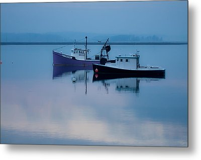 Metal Print featuring the photograph Dawn Rising Over The Harbor by Jeff Folger
