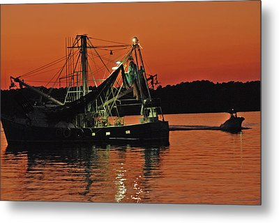 Metal Print featuring the photograph Days End by Margaret Palmer