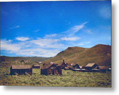 Days Of Old Metal Print by Laurie Search