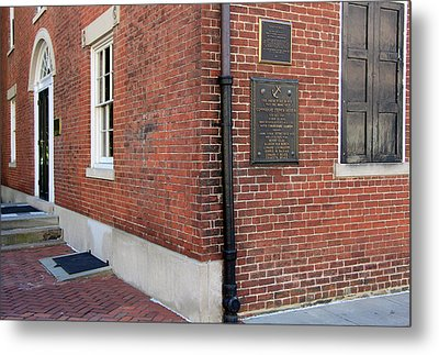 Decatur House Metal Print by Cora Wandel