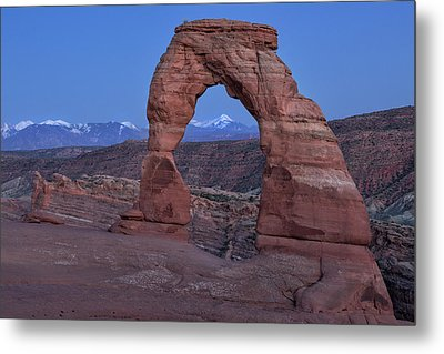 Delicate Arch At Twilight Metal Print