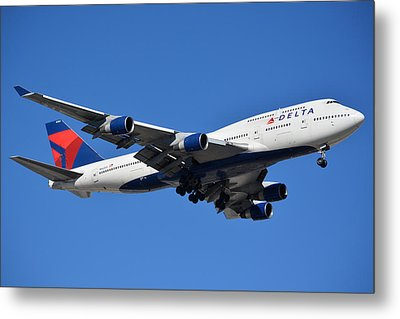 Delta Boeing 747-451 N662us Phoenix Sky Harbor January 12 2015 Metal Print by Brian Lockett