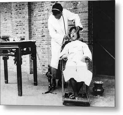 Dentistry In China Metal Print by Underwood Archives