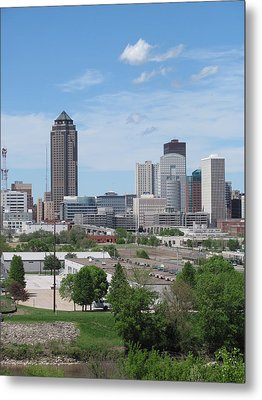 Des Moines From Macrae Park Metal Print by Jerry Browning