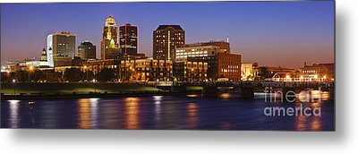 Des Moines Skyline Metal Print by Jeremy Woodhouse