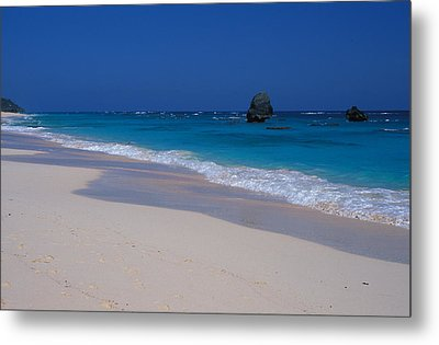 Deserted Beach In Bermuda Metal Print by Carl Purcell