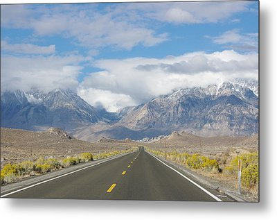 Deserted Road To Mt. Whitney Metal Print by Jeff Lowe