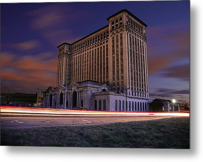 Detroit's Abandoned Michigan Central Station Metal Print by Gordon Dean II