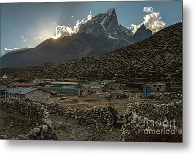 Metal Print featuring the photograph Dingboche Evening Sunrays by Mike Reid
