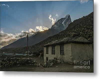 Metal Print featuring the photograph Dingboche Nepal Sunrays by Mike Reid