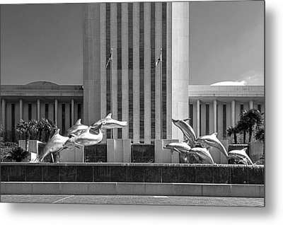 Dolphin Fountain In Black And White Metal Print by Frank Feliciano