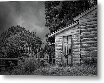 Don't Come Knockin' Metal Print by Wallaroo Images