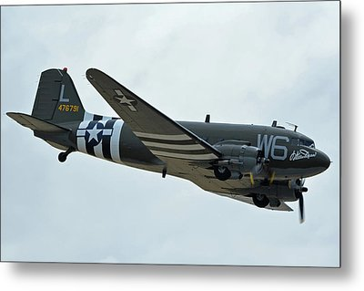 Metal Print featuring the photograph Douglas C-47b Dakota N791hh Willa Dean Chino California April 30 2016 by Brian Lockett
