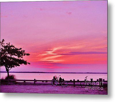 Metal Print featuring the photograph Summer Down The Shore by Susan Carella