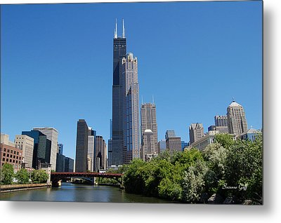 Downtown Chicago Skyline - View Along The River Metal Print by Suzanne Gaff