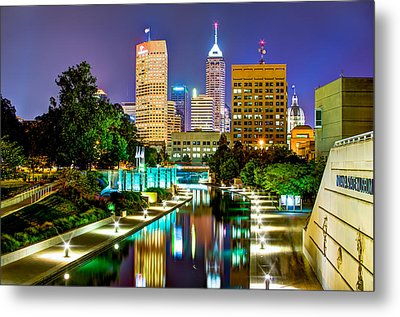Downtown Indianapolis At Night - Canal Walk Skyline View Metal Print