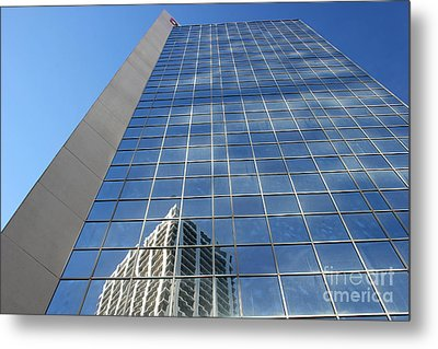 Metal Print featuring the photograph Downtown Reflection by Wilko Van de Kamp