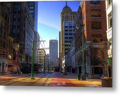 Downtown Sunday Morning In February Metal Print by Don Nieman