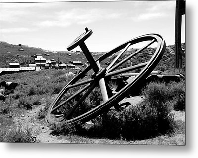 Drivewheel Metal Print by Michael Courtney