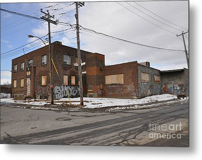 Dunn And Pitt Street Urban Exploration Metal Print by Reb Frost