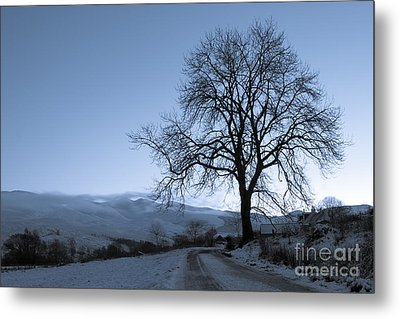 Dusk In Scottish Highlands Metal Print by David Bleeker