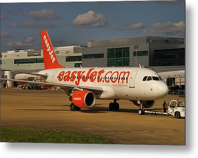 Metal Print featuring the photograph Easyjet Airbus A319-111  by Tim Beach