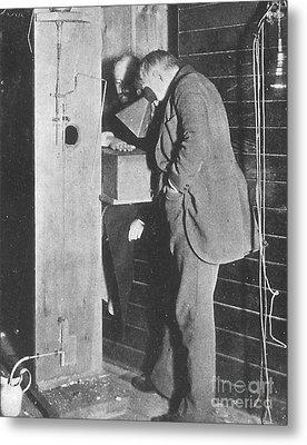 Edison Fluoroscope, 1896 Metal Print by Science Source