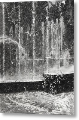 Effervescence Fountain In Milano Italy Metal Print by Kelly Borsheim