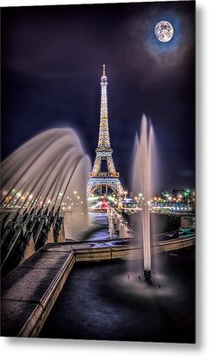 Eiffel And The Fountain Metal Print