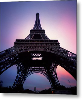 Eiffel Tower At Sunset Metal Print by Zeb Andrews