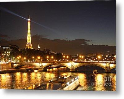 Eiffel Tower By Night Metal Print