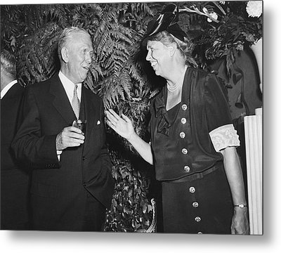 Eleanor Roosevelt And Marshall Metal Print by Underwood Archives