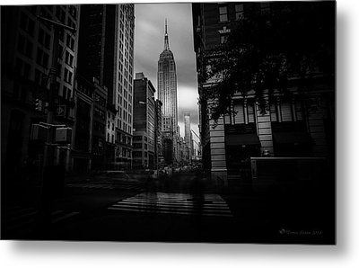Metal Print featuring the photograph Empire State Building Bw by Marvin Spates