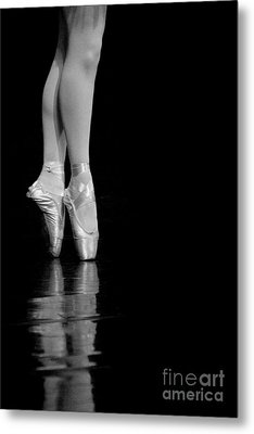 En Pointe Metal Print by Jeannie Burleson