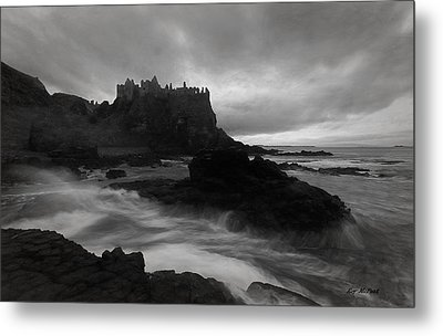 Evening At Dunluce Metal Print by Roy  McPeak